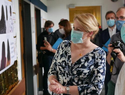 Giffey besucht besondere Berufsfachschule für Pflege